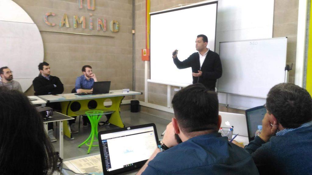Sergio-Vazquez-explicando-Yoast-SEO